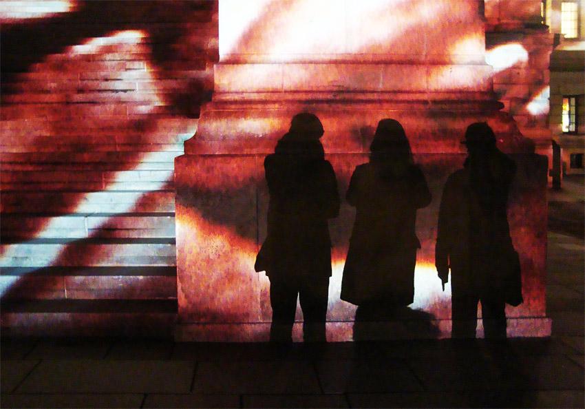 drei damen vor vogler