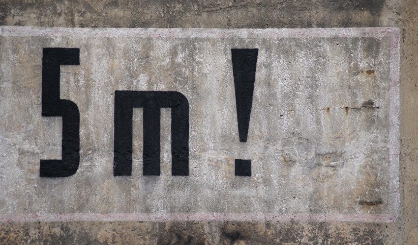 der restliche Text leider von Grafittiferkeln überschmiert